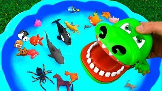 Learn Colors with Wild Animal Toys Sharks in Blue Water Tub Pool Toys For Kids