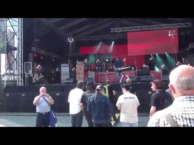 Andy Irvine Group CornBread B&D solos Warwick Open Day 2014