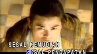 Download lagu BUDAK KACAMATA - Tiada Lagi Lagu Rindu.mp4
