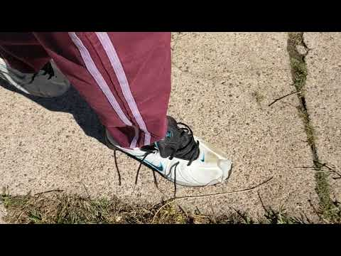 nike-shox-running-shoes-morning-destruction-walk-2