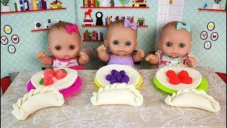 Куклы Пупсики ЛЕПИМ ВАРЕНИКИ Мультик Играем Плей До Детская Кухня Игрушки 108mamatv