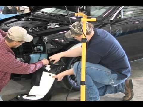 Opportunities for Women in Auto Collision Repair Technology