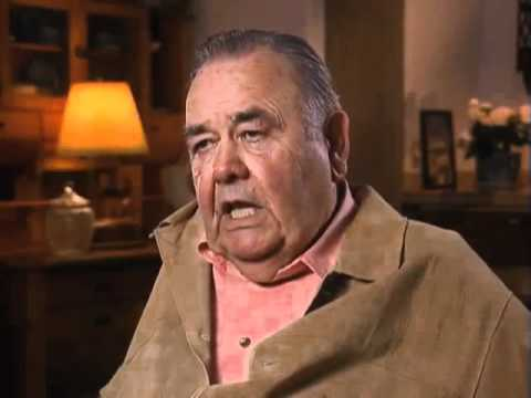 Jonathan Winters discusses working with Bob Hope - EMMYTVLEGENDS.ORG