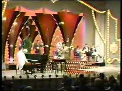 """The New Vaudeville Band """"Winchester Cathedral"""""""