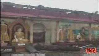 Baixar Cyclone Nargis crashes ashore