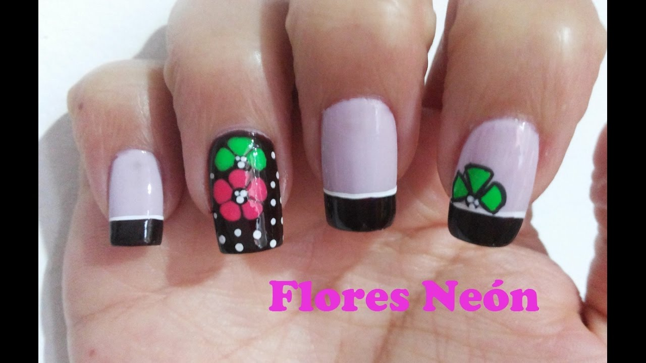 Decoración Uñas Con Flores Neon Sobre Fondo Oscuro Flowers Nail