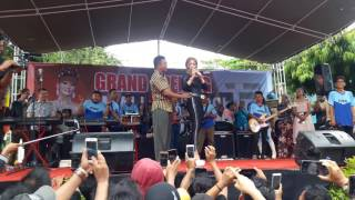 Video Inul Daratista Live di Sumenep download MP3, 3GP, MP4, WEBM, AVI, FLV November 2017