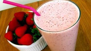Clean Eating Strawberry-Vanilla Smoothie Recipe