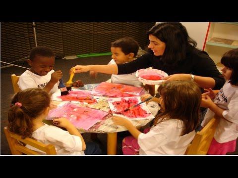 Clique e veja o vídeo Curso Artes Plásticas na Educação Infantil