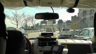 New York: Taxifahrt JFK-Airport nach Manhattan. Taxi ride from John F. Kennedy Airport to Manhattan