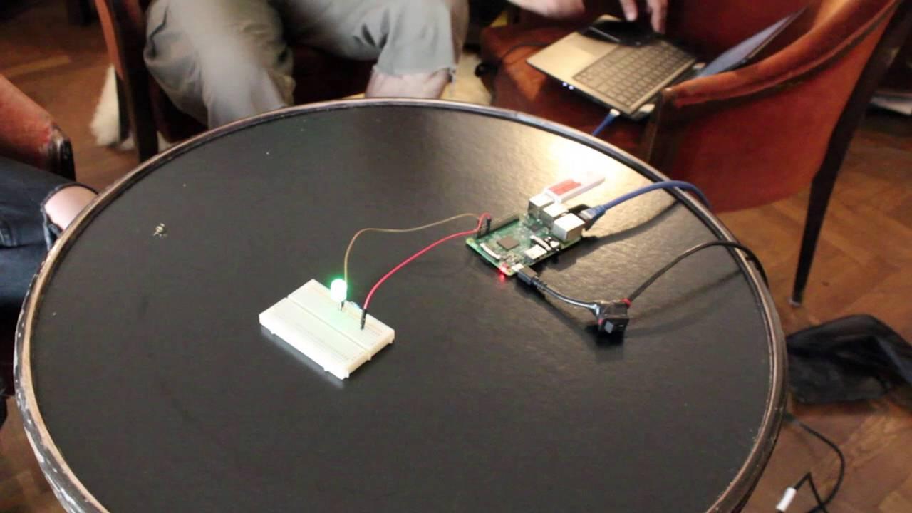 Raspberry Pi mindcontrol Neurosky mindwave as simple EEG