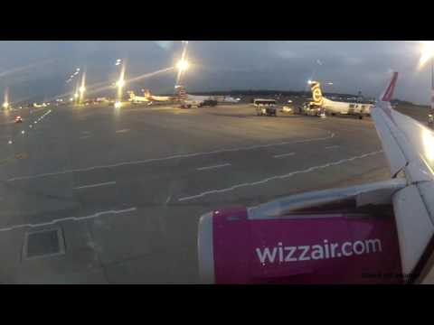 Wizzair A321 delayed taxi and departure from Warsaw as W61381