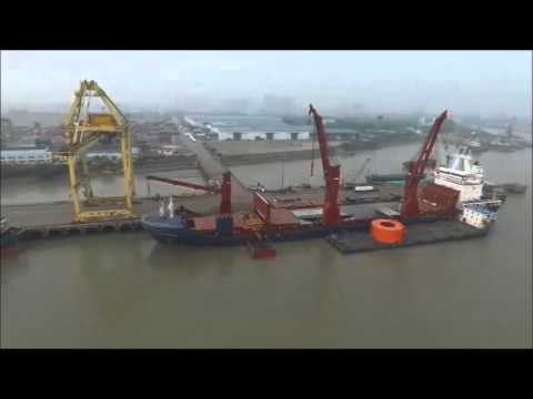 MV Pacific Winter - Loading Heavy Lift Reel in China