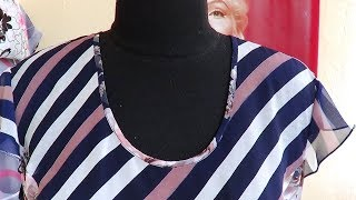 Демонстрация готовых изделий из шифона с окантовкой горловины полоской вырезанной по поперечной