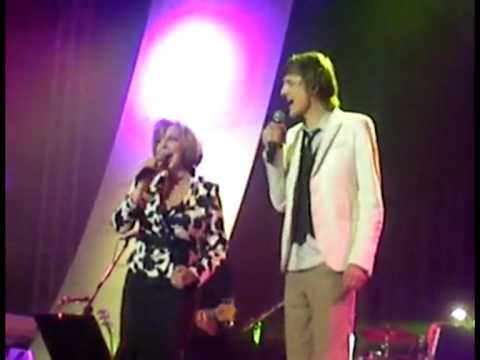 HANA ZAGOROVÁ A ONDŘEJ RUML-ČERNÝ PÁV -LIVE LUCERNA 2009