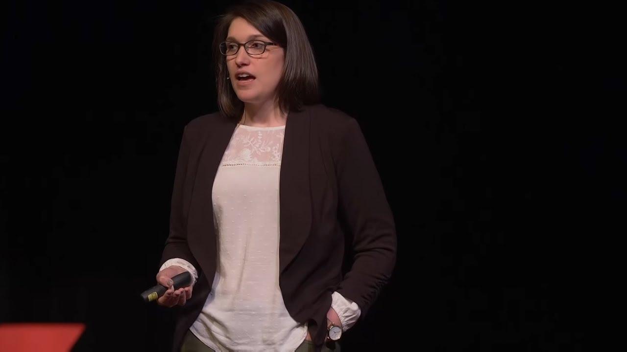O que é realmente necessário para ser um veterinário  | Melanie Bowden, DVM | TEDxCoeurdalene
