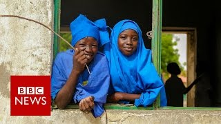 The photographer looking for smiles in Maiduguri - BBC News