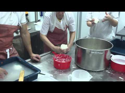 Изготовление сыра Буррата