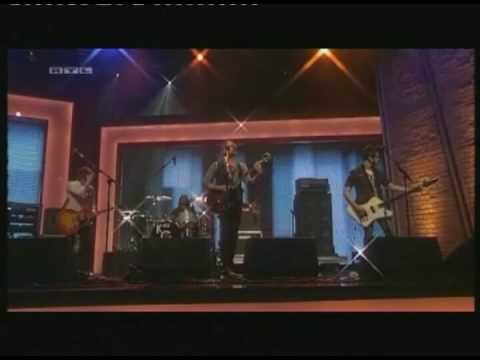 Kings of Leon - Use Somebody live