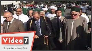 شيخ الطرق الصوفية يتقدم الموكب ويرحب بالمشاركين