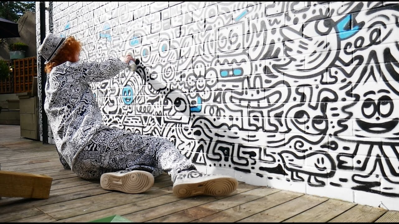 Doodle mural for the blackbird edinburgh youtube for Edinburgh wall mural