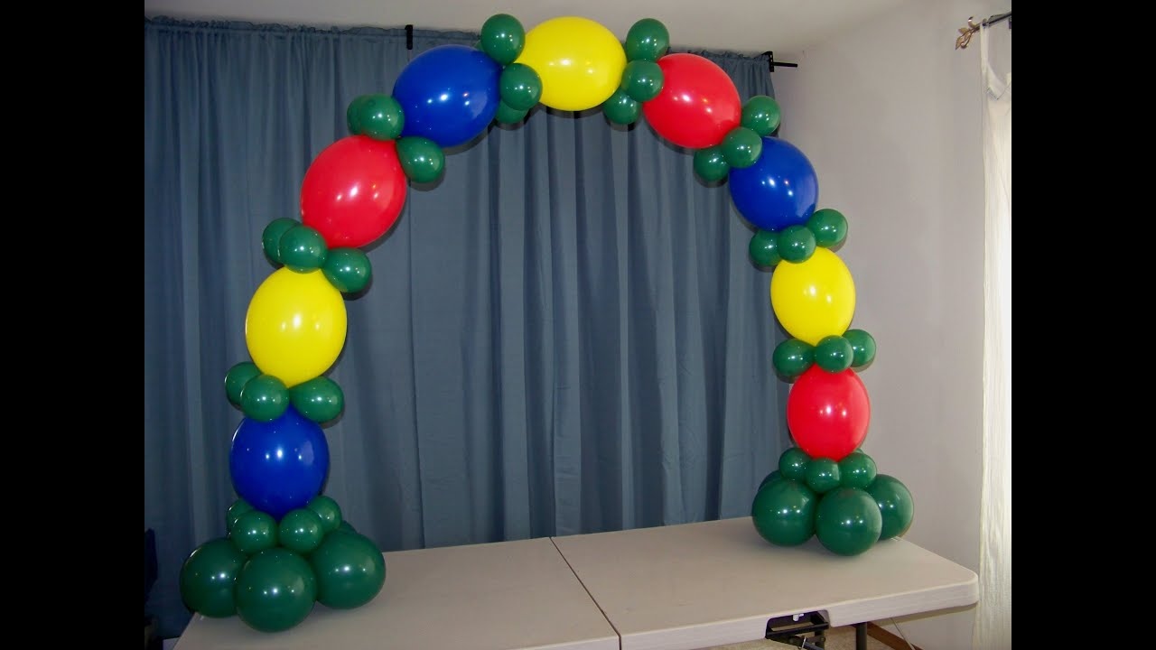 How to make a table top balloon arch no helium doovi for Balloon decoration ideas no helium