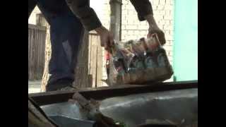 Алкоголь с доставкой на дом(В поселке Пушкино, возле Святого озера в результате ДТП на правый бок завалился грузовик. Фургон автомобиля..., 2012-05-23T15:27:23.000Z)