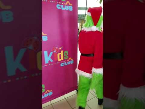 The Grinch at Moreno Valley Mall. Character company of Orange County party karacters