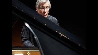 W. A. Mozart: Piano Concerto No. 23 - Christian Zacharias - Sinfónica de Galicia mp3