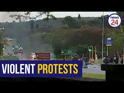 WATCH | Protesters block road in Richard's Bay