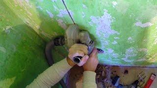 Как без пыли болгаркой пилить бетон(Самодельный кожух из оргстекла, для того чтоб делать штробы в бетонных , кирпичных, гипсолитовых и других..., 2016-02-12T21:57:35.000Z)