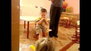 в детском садике наказали мальчика.
