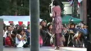 Keroncong Schoon ver van jou (backstage) - Sundari Soekotjo
