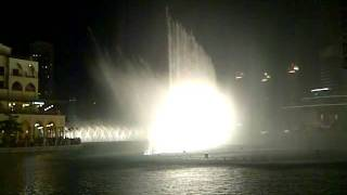 Must Watch:) ..... The Dubai Dancing Fountain - Arabic Song