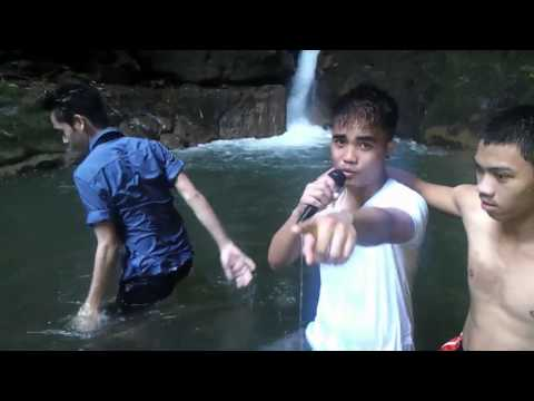 One Direction - Live While Were Young (Music Video Parody)