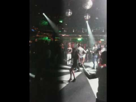 Club help discoteca in rio de janeiro brazil youtube for Miroir club rio de janeiro