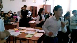 Физкультминутка на уроке литературы в 10 б