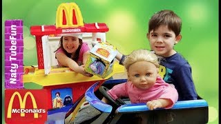 One of Naty TubeFun's most viewed videos: McDonald's Drive Thru Baby Doll Pretend Play with Kitchen Playset