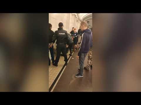 В метро Санкт-Петербурга задержали дагестанца, который порезал ножом двух глухонемых украинцев