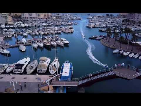 Jetsurf Lampuga Rental - Riding through the port de Fréjus