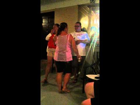 Karaoke familia pagan