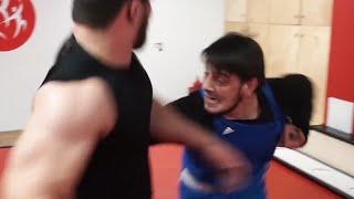 Бой Тамаев зарубился с Пулеметчиком!