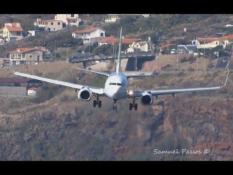 Смотреть INCREDIBLE crosswind landings || A330 B757 A321 || Bumpy Approach || Go Around || Madeira онлайн