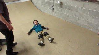 BROKEN BACK SKATEBOARDING AT THE SKATEPARK || SKATEBOARDING FAILS