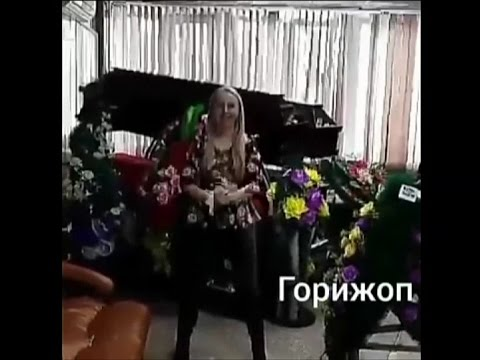 Фото на приседала, жена с мужем и приятель трахаются частное домашнее порно