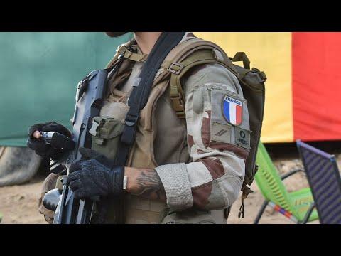 ...القوات الفرنسية تقتل أبو وليد الصحراوي قائد تنظيم -ال  - نشر قبل 2 ساعة