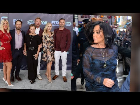 Is The 90210 Cast In A War With Shannen Doherty?