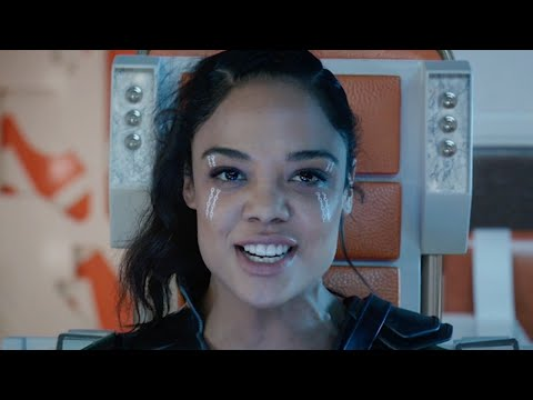 How Valkyrie Cuts Thor Down to Size  Tessa Thompson   ComicCon 207