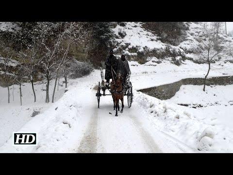Fresh snowfall disrupts life in Kashmir Valley