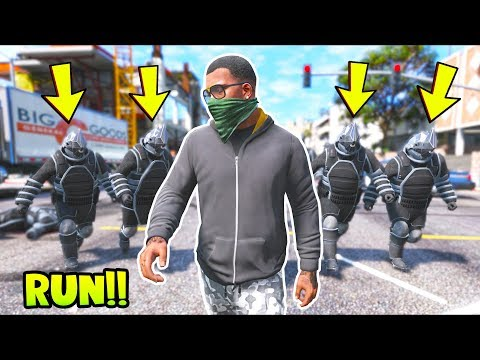 Bounty Hunters Tried To Arrest Me!! (GTA 5 Mods - Evade Gameplay)
